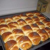 Нежнейшие булочки - пока они готовились, мои чуть с ума от аромата не сошли.